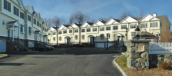 Harbour Vew, Danbury , CT Townhome Condominiums
